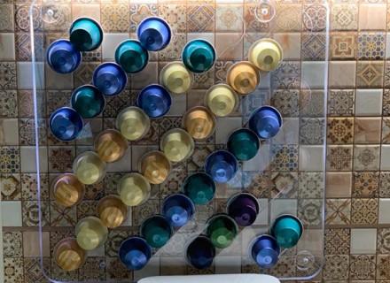 Держатель WOW COFFEE для 39 кофейных капсул Nespresso (прозрачный/цветной) на магните