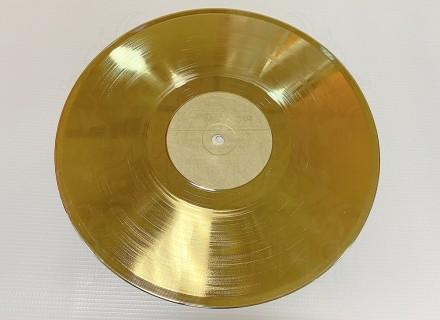 Виниловая пластинка (золото)